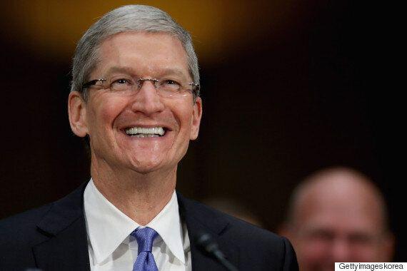 애플 CEO 팀 쿡, 8천800억 전 재산 기부를
