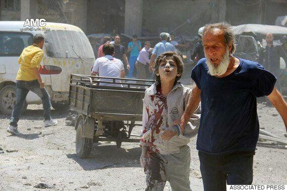 시리아 내전 4년, 10분당 1명 사망.. 국민 절반이