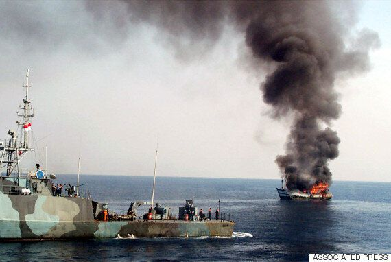 인도네시아 해군, 불법조업 필리핀 선박