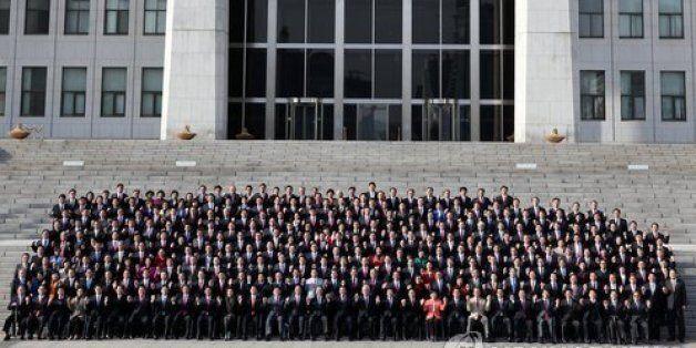 2014년 2월 3일, 제19대 국회의원들이 3일 국회의사당 정현관(본청) 앞 계단에서 단체기념사진을 촬영하고