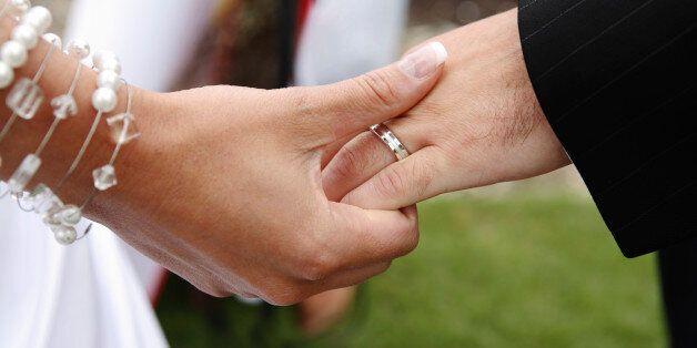 아무도 인정하고 싶지 않은 결혼의