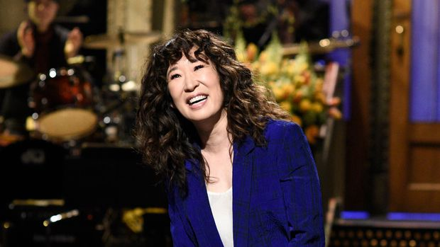 """SATURDAY NIGHT LIVE -- """"Sandra Oh"""" Episode 1762 -- Pictured: Host Sandra Oh during the monologue on Saturday, March 30, 2019 -- (Photo by: Will Heath/NBC/NBCU Photo Bank via Getty Images)"""