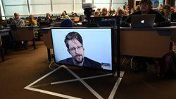 Snowden llama en sus memorias a la protección de datos personales en