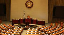 43명 겸직 국회의원, 전원 관련직