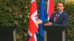 Boris Johnson da plantón al primer ministro de Luxemburgo, que no puede aguantarse la