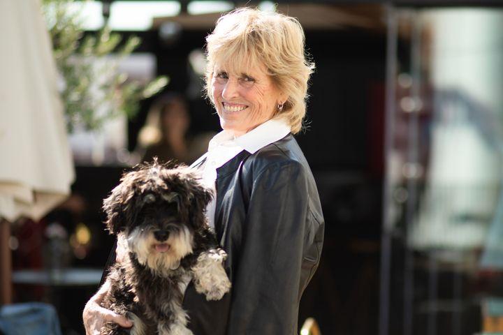 Mercedes Milá con su perro Scott