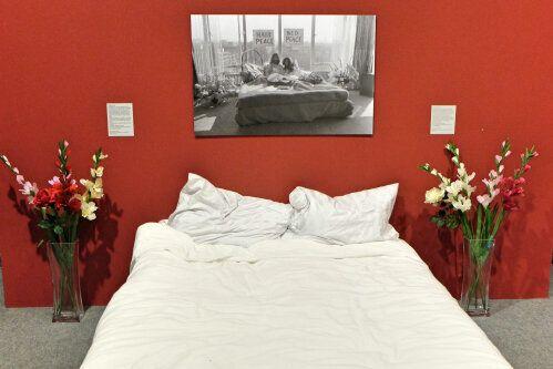 전쟁을 성찰하는 박물관 | 존 레넌의 침대 위(Bed in)