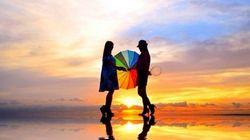 무지개, 사람, 우산. 3가지로 만든 아름다움