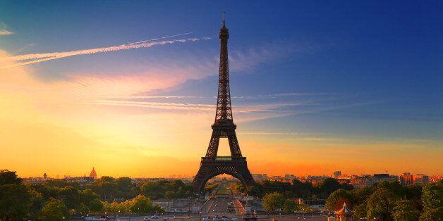에펠탑에는 직원용 벤치가