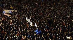 헝가리·체코에서 대규모 반정부