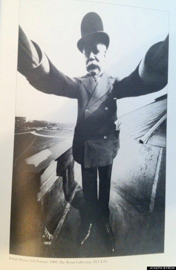 대형 카메라로 찍은 100년 전의