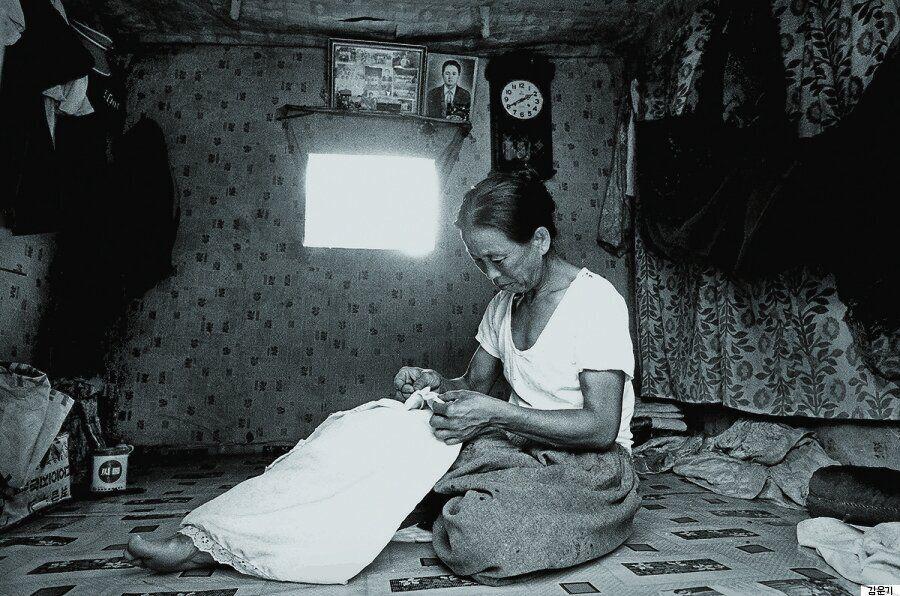 사진으로 만나는 어머니의 엄마 | 김운기 작가의 '어머니, 그 고향의
