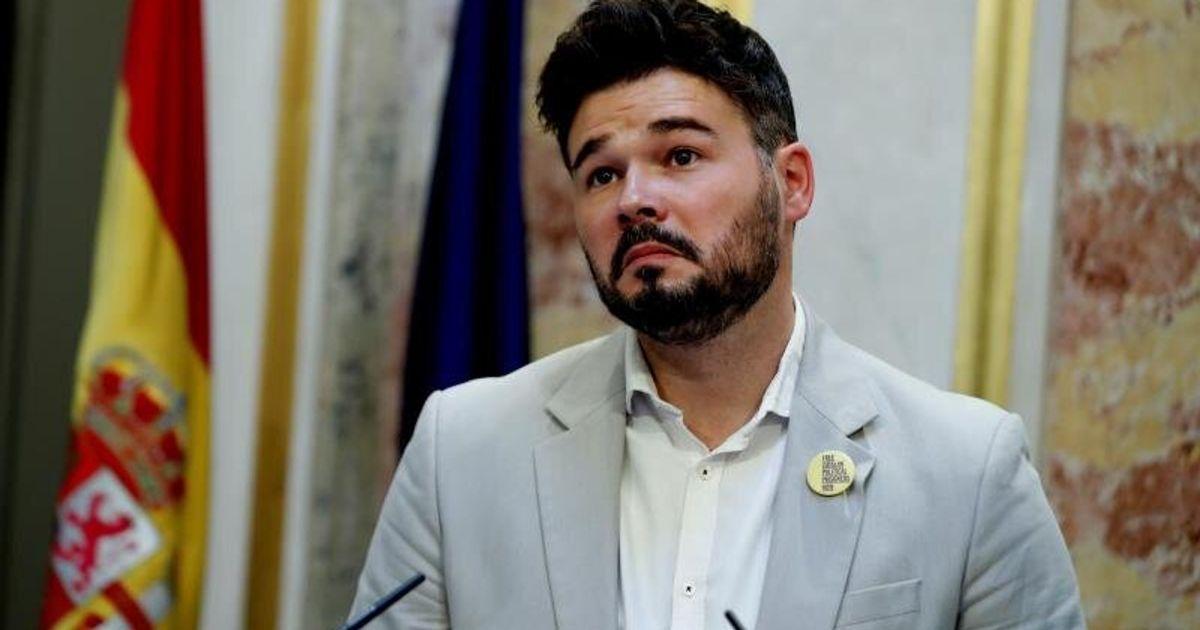 """Gabriel Rufián, indignado tras la foto que ha publicado Óscar Puente en Twitter: """"No tenéis vergüenza"""""""