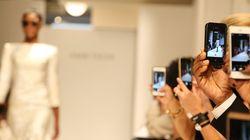 애플, 새 아이폰 공개에 패션지 초청한