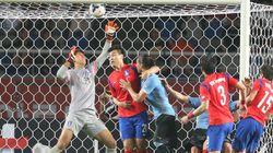 한국 축구, 우루과이에 0-1 석패 : 32년째 무승