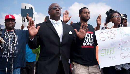 美미주리 흑인 총격사망, 대규모 시위로