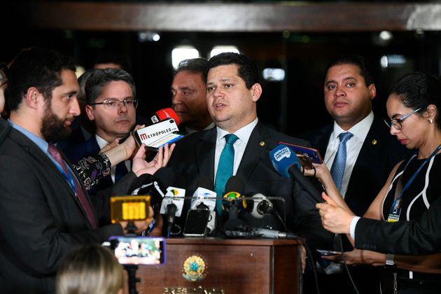 Senado desiste de diminuir transparência, mas mantém brecha no Fundo