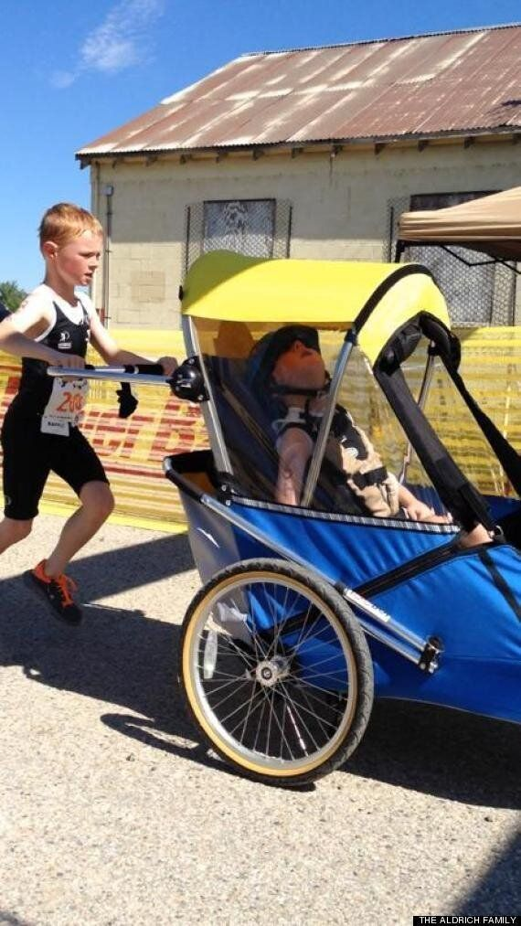 동생과 함께 한 철인경기 : 장애아 동생을 데리고 철인경기에 도전한