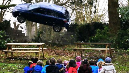 북아일랜드의 무시무시한 과속운전 캠페인(충격적인 동영상