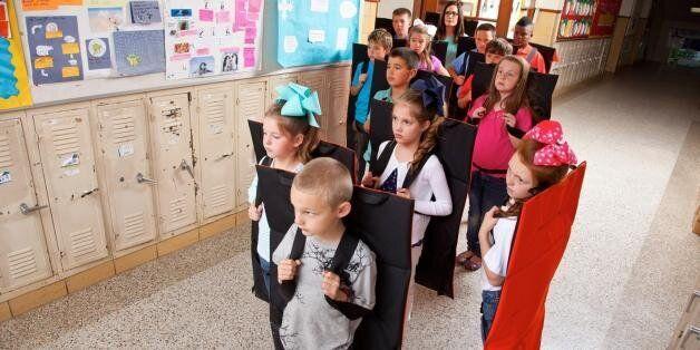 미국 어린이용 방탄 담요 : 지금 가장 많이 팔리는 신학기 준비물(사진,