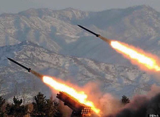 북한군, 해군 함정 향해