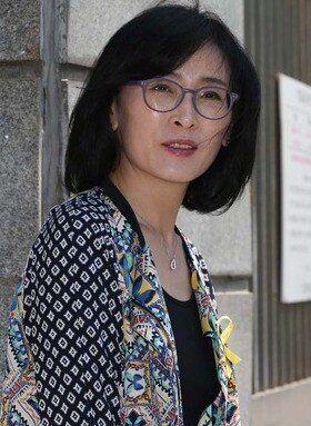 '박 대통령 퇴진' 선언한 교사