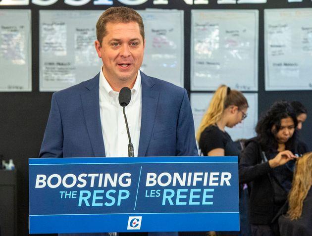 Le chef du Parti conservateur fédéral Andrew Scheer prend la parole lors d'une activité...