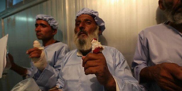 아프가니스탄 대통령 선거 결선투표가 치러진 14일(현지시간) 서부 헤라트주에서 투표에 참가해 지장을 찍었다가 탈레반에게 손가락이 잘린