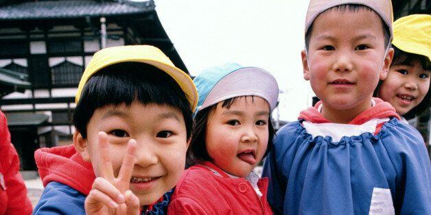 우울한 일본의 '어린이날' 어린이 인구 33년 연속