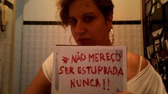 온라인 상반신 노출시위 나선 브라질