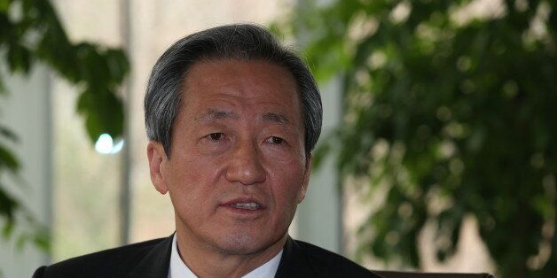 정몽준 의원이 박원순 서울시장에게 최근 공방을 벌인 경전철 문제를 설명하고 서울시의 자료제공을 요청하는 편지를