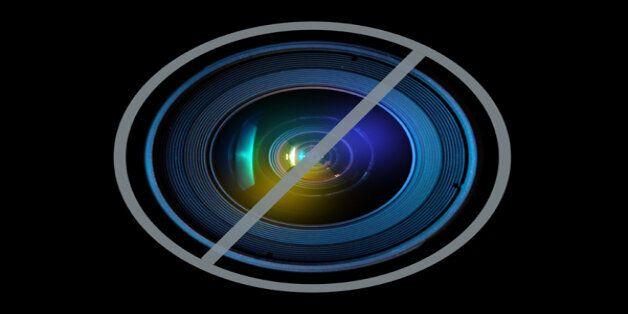 토성의 위성인 타이탄의 모습을 그린