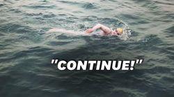 Après avoir survécu au cancer, elle traverse quatre fois la Manche à la nage sans