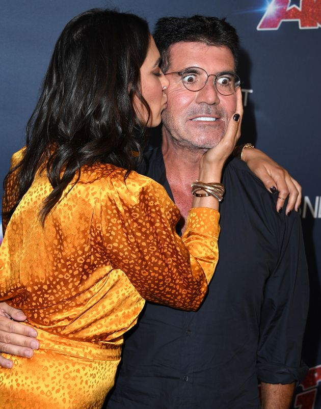 Simon Cowell's Face Looks Like It Wants To Run Away From Girlfriend Lauren Silverman At The America's Got Talent Live Final