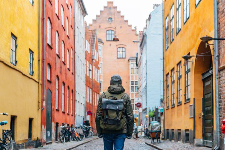 Fazer passeios a pé é a melhor forma de conhecer um destino turístico.