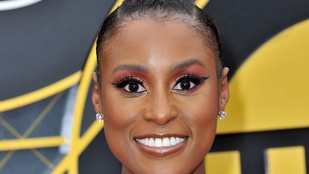 SANTA MONICA, CALIFORNIA - JUNE 24: Issa Rae attends the 2019 NBA Awards at Barker Hangar on June 24, 2019 in Santa Monica, California. (Photo by Allen Berezovsky/FilmMagic)