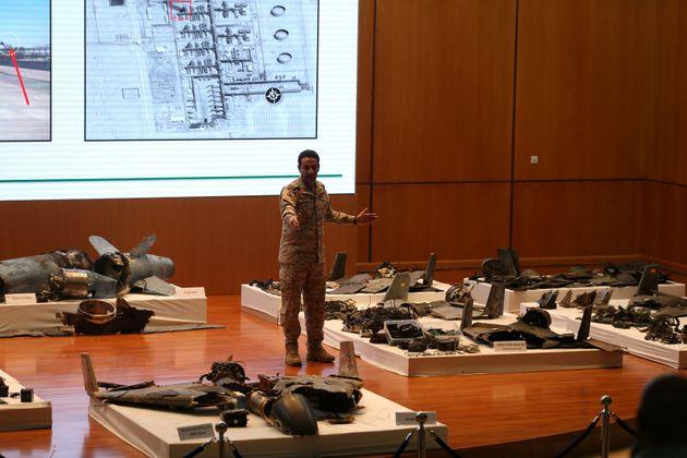I sauditi mostrano droni e missili: l
