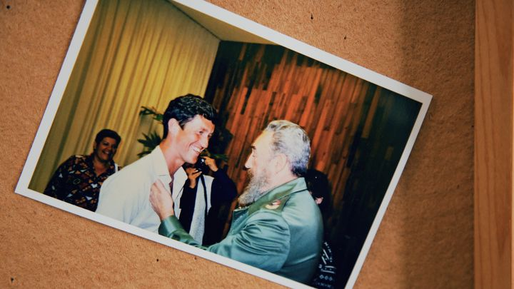 A photo of Svend Robinson and late Cuban leader Fidel Castro on display at the NDP candidate's campaign office.