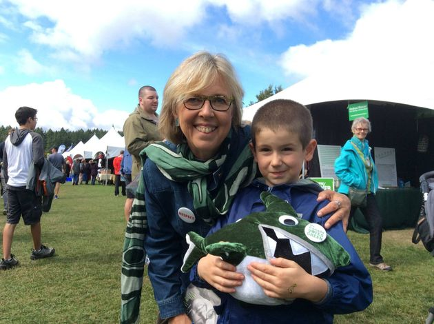 Elizabeth May with young supporter in Saanich,