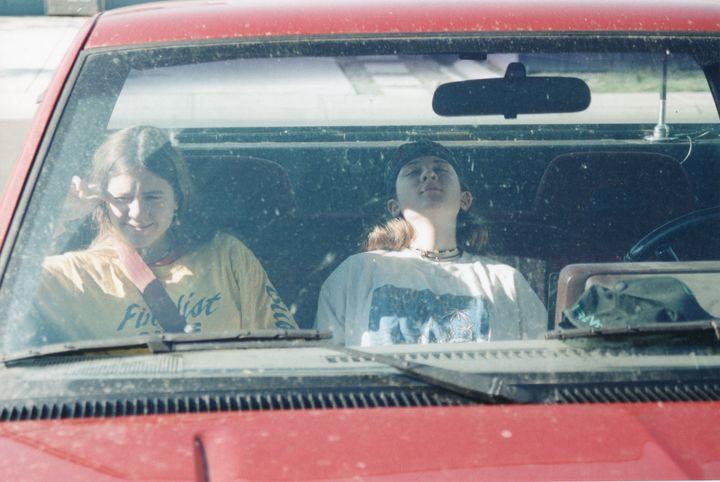 Tegan and Sara in the car.