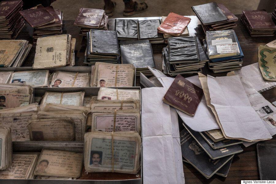 Οι εγκλωβισμένοι στη Ράκκα αφηγούνται τον εφιάλτη της κατοχής από το Ισλαμικό Κράτος αλλά και των βομβαρδισμών...