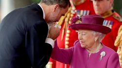 Αυτή είναι η μοναδική μέρα που η βασίλισσα Ελισάβετ κουβαλάει χρήματα πάνω