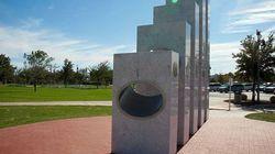 Μια φορά το χρόνο ο ήλιος ευθυγραμμίζεται και φωτίζει ιδανικά αυτό το μνημείο στην