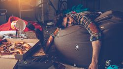 7 πράγματα που οι περισσότεροι μετανιώνουν σε ένα hangover (και όχι, δεν είναι ο