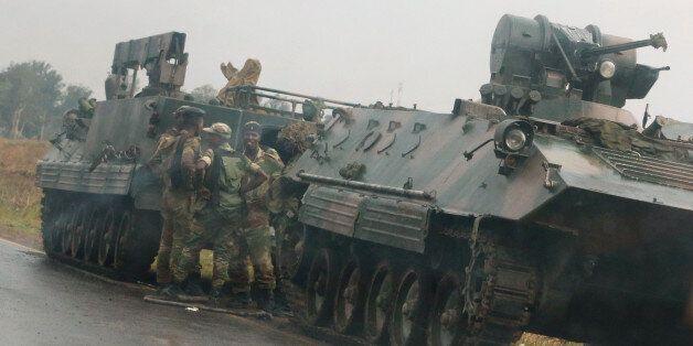 Ζιμπάμπουε: Ο στρατός πήρε τον έλεγχο «για να σταματήσει εγκληματίες». «Ασφαλής» ο πρόεδρος