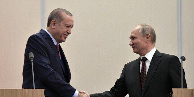/ AFP PHOTO / Sputnik / Alexey Nikolsky (Photo credit should read ALEXEY NIKOLSKY/AFP/Getty