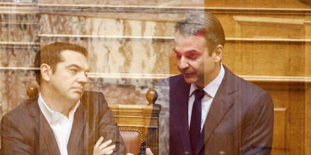 H αντιπαράθεση Τσίπρα- Μητσοτάκη στη Βουλή με τις αναφορές σε δώρα και αντίδωρα και βιομηχανίες
