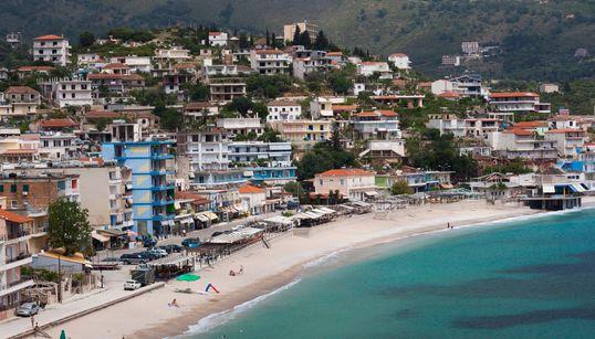 Κατεδαφίζοντας την ελληνική μειονότητα στη Χειμάρρα: Η επιχείρηση κατεδάφισης ελληνικών