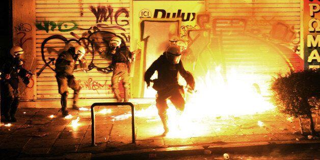 Θεσσαλονίκη: Άγνωστοι έριξαν μολότοφ σε λεωφορείο των