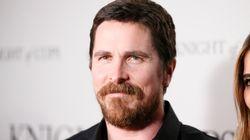 Οι πρώτες φωτογραφίες του Christian Bale ως Dick Cheney είναι εδώ (και αποκλείεται να τον